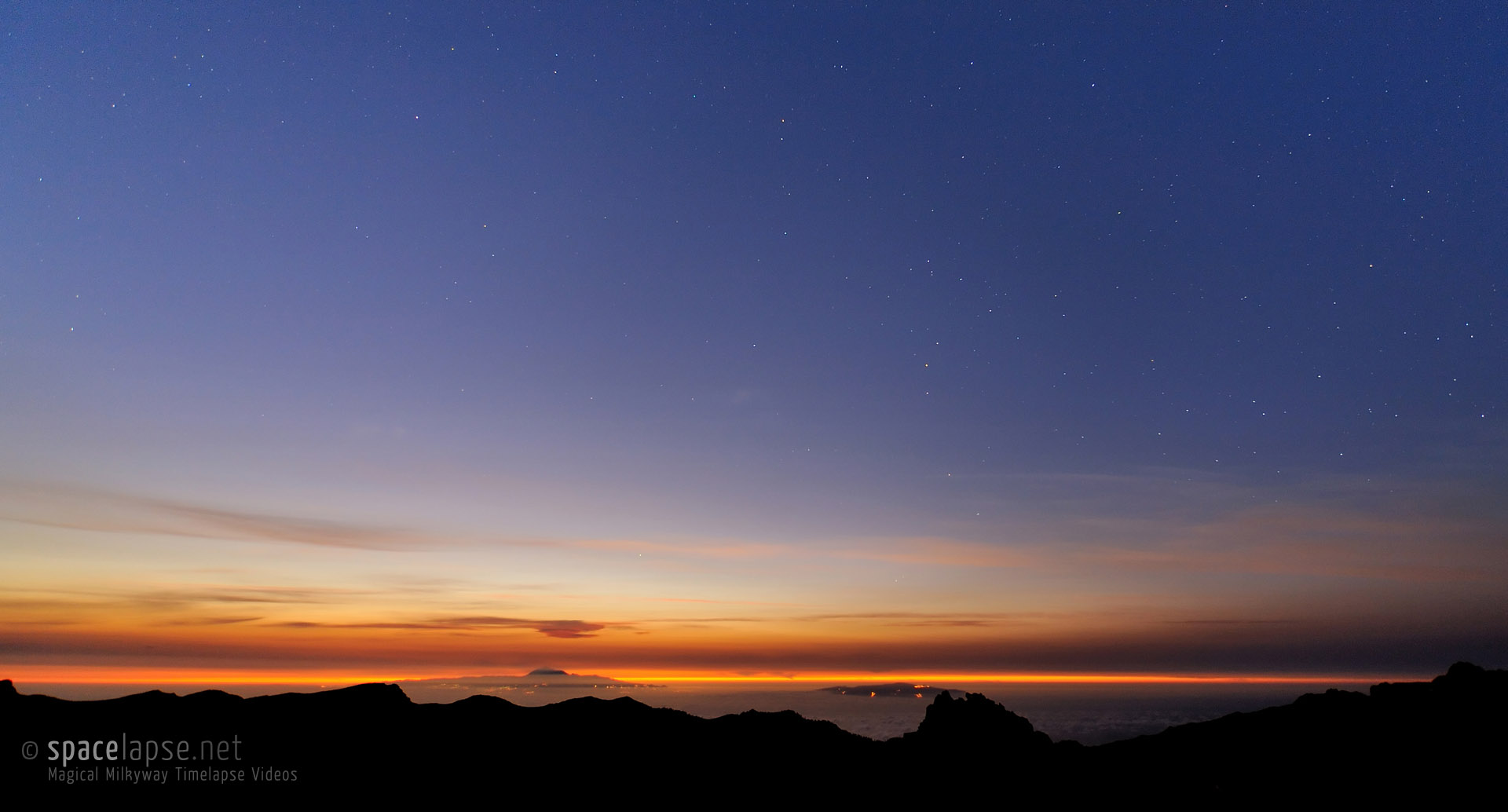 Glowing Earth - Sunrise with view at Canary Islands